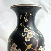 Tuscan China vase, Kang He pattern