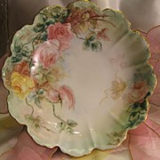 Gorgeous PEACH AND YELLOW VICTORIAN TEA ROSES Antique Hand Painted Scalloped Serving Decorativ