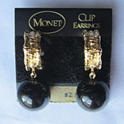 Vintage Monet Earring Set Clip