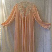 Vintage Peach Lucie Ann Robe Size Medium