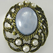 Vintage Blue Pearlized Cabochon Simulated Pearls Gold-tone Brooch Pin