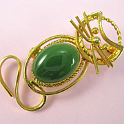 Vintage Dimensional Gold tone Jade Belly Cat Brooch Pin