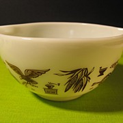 Pyrex Mixing Bowl with Colonial Decorations and Cinderella Handles