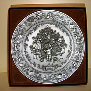 1983 Hallmark Christmas Pewter Plate With Box