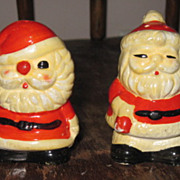 Vintage Hand Painted Ceramic UDU Japan Suited Santa Claus Salt & Pepper Shaker Set
