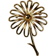 Vintage Monet Gold Tone Daisy Flower Brooch