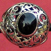 Pretty Sterling Silver Ring with Oval Faux Black Stone in Center Size 7 �