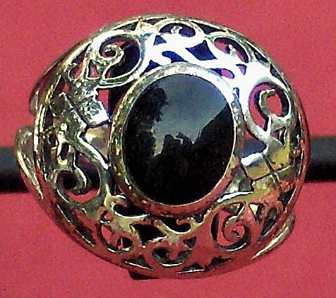 Pretty Sterling Silver Ring with Oval Faux Black Stone in Center Size 7 ½