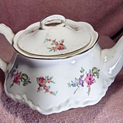 Pretty Priscilla Pattern Teapot Made By Homer Laughlin