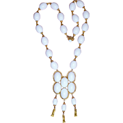 Wonderful Vintage William DeLillo White Necklace
