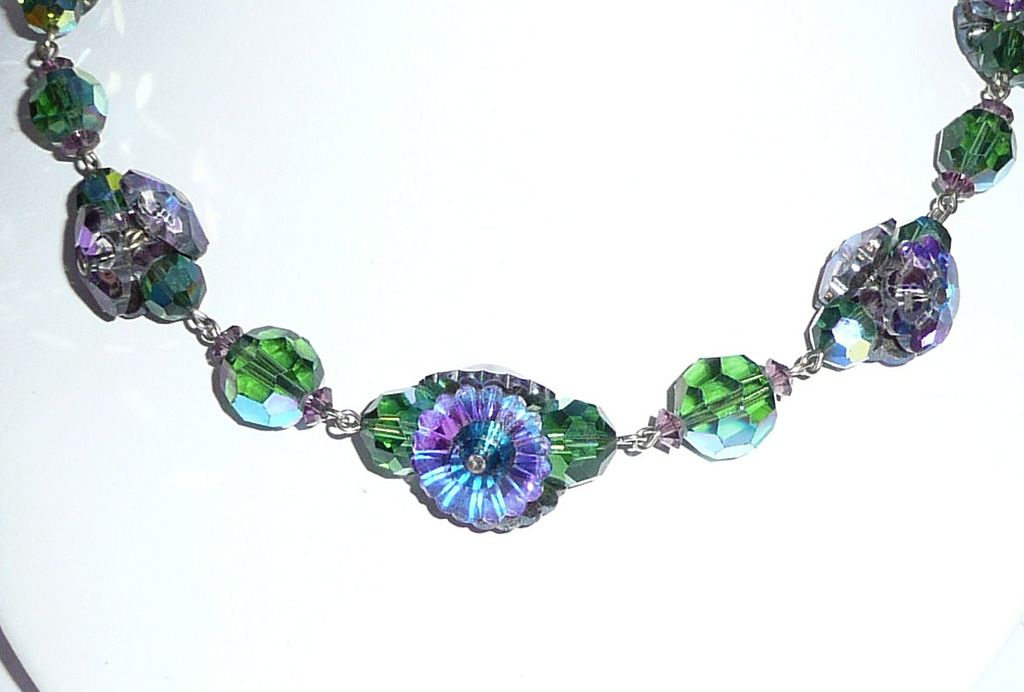 Beautiful Vintage Blue Green Crystal Beads Necklace
