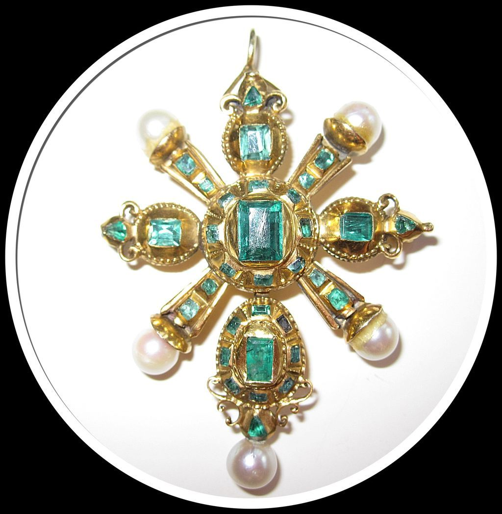 Rare 18th Century Emerald Pendant Gold