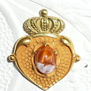 Lovely Art Nouveau Luckenbooth Stickpin with Agate