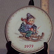 Hummel  5th Annual Decorative Plate