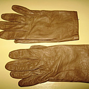 Ladies Size 6-1/2 Dark Beige Leather Gloves