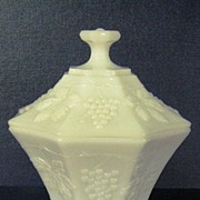 Anchor Hocking Grape & Leaf Pattern Candy Dish