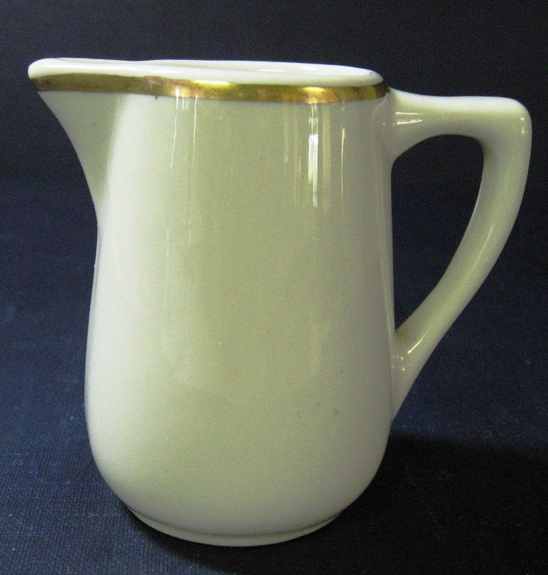 Mayer Restaurant Ware Creamer Syrup Pitcher