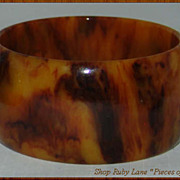 Vintage Marbled Bakelite Wide Bangle Bracelet Caramel Mocha