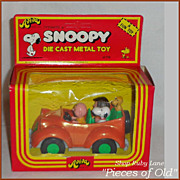 Vintage Aviva Snoopy & Friends die-cast Convertible, Peanuts MIB