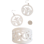 Lacy-Look Resinous Plastic Cuff Bracelet & Earrings: Old/New Stock