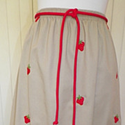 1970s Khaki Skirt w/Embroidered Strawberry Design