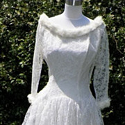 Wonderful 1950s White Lace Wedding Dress w/White Fur Trim