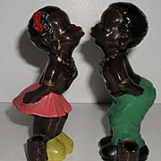 Vintage Black Americana Black Couple Kissing Porcelain Figurines !940s -1950s