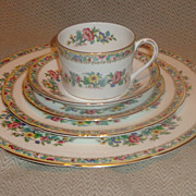 Coalport &quot; Ming Rose &quot; Pattern 5 Piece Place Setting