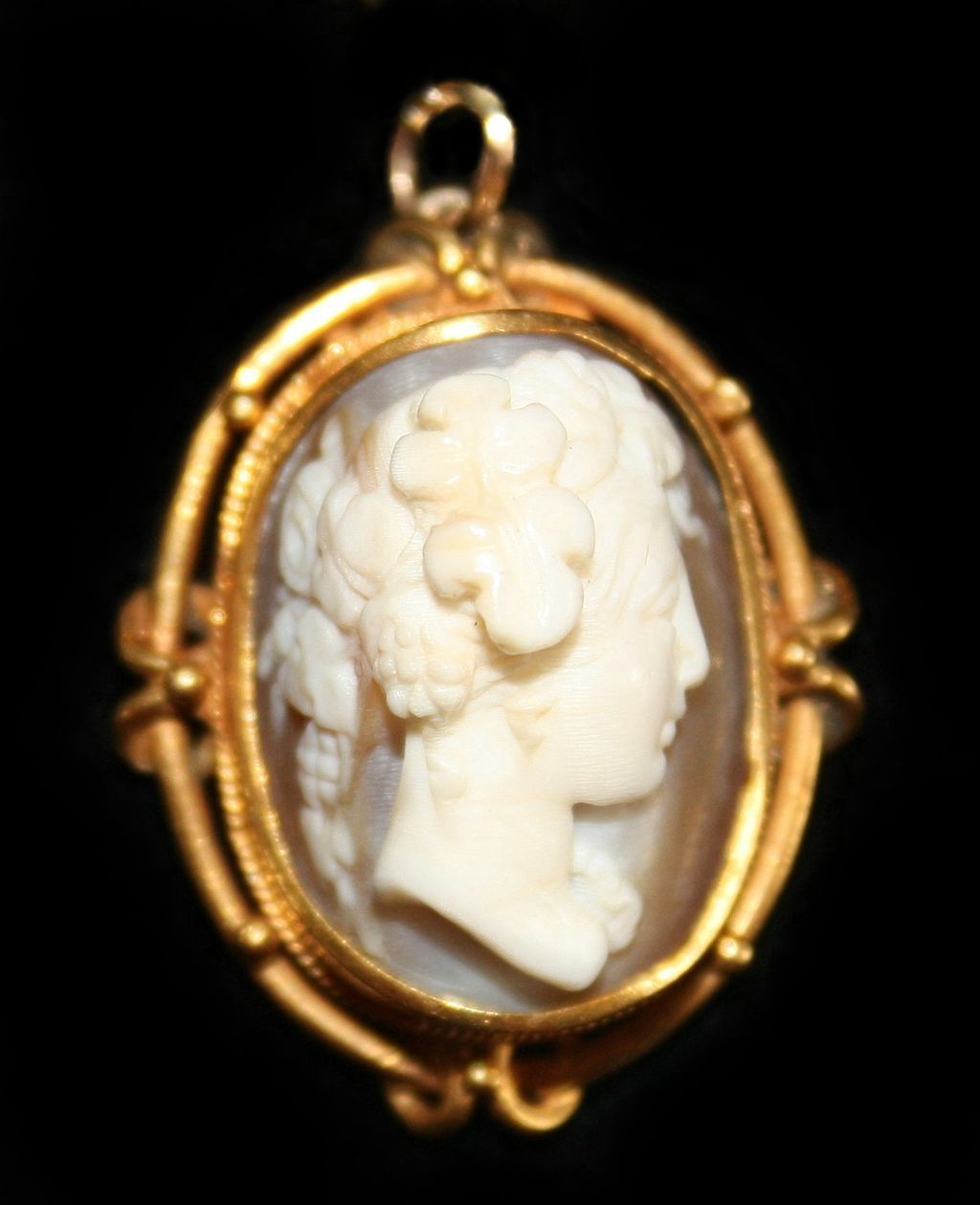 Cameo Necklace In 18k Gold