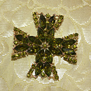 REDUCED Weiss Maltese Cross Pin in Olivine Green