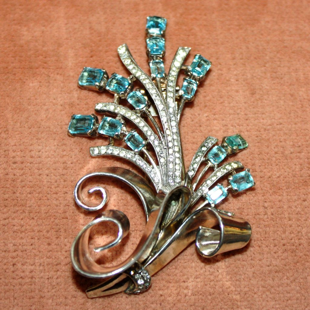 Amazing Alfred Philippe Trifari Sterling Silver Fur Clip With Aqua Blue Emerald Cut Stones