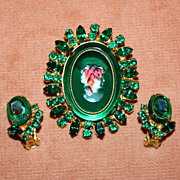Lovely Green Juliana Cameo Pin and Earring Set
