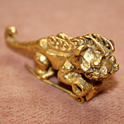 Fabulous Foo Dog Fur Clip
