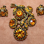 Lovely Hollycraft Pin and Earrings Faceted Topaz Glass in Gold Tone