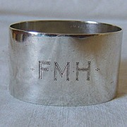 Oval Sterling Silver Napkin Ring � London, England