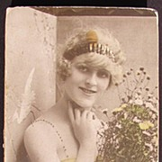 Vintage ca 1920 Robertson's Chocolate Box Pretty Lady