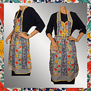 Vintage 40s Dutch Tulip Bib Apron // 1940s Pinafore Style Floral Printed Cotton with Organza T