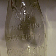 Pint Illinois Dairy Co of Springfield ILL Embossed Milk Bottle