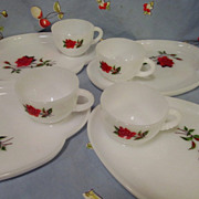 Federal Rosecrest 8pc Snack Set, Roses
