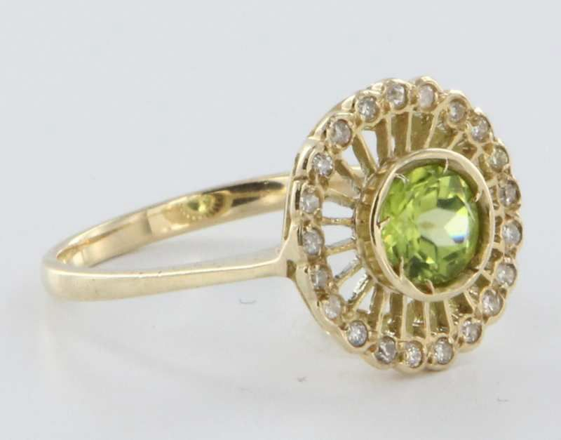 estate 9 karat white yellow gold peridot cocktail ring