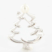 Estate Mikimoto 18 Karat White Gold Akoya Pearl Diamond Christmas Tree Brooch
