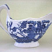 Blue Willow Pattern Sauce or Gravy Boat