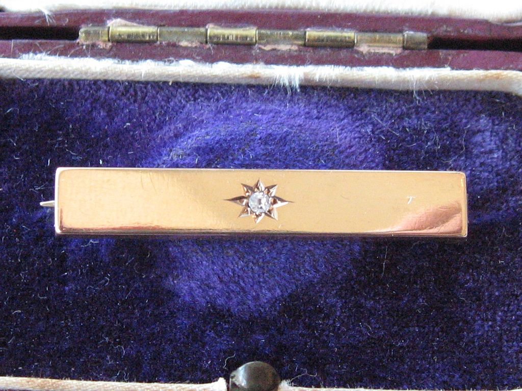 Antique 15 ct Gold Bar Brooch, Diamond, boxed
