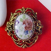 Dazzling Victorian Style Antiqued Gold Plate PORCELAIN Floral Brooch
