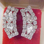 DeLizza & Elster Swarovski  Pear Cut  Crystal  - Chatons & Silver Rhodium Plate  Clip Earrings