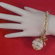 Caged WHITE GLASS BALL Dangle Gilt Gold & White Metal Link Bracelet