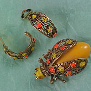 Golden Yellow ART GLASS -Gilt Gold Filigree Wired Wings - Orange & Yellow Daisies BEETLE  Demi