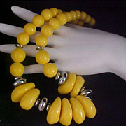 Swirled Yellow Lucite Graduated Beads - Silver tone Rondelle Spacers NECKLACE