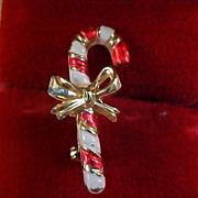 Charming  Striped CANDY CANE - Red & White Enamel Gold Plate Brooch/Pin