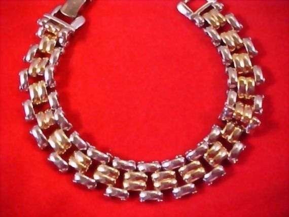 Dynamic Vintage Two Tone Polished Link Bracelet